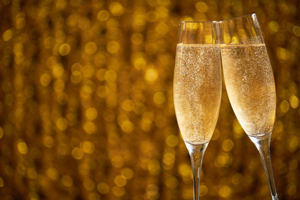 Des verres brillants qui illuminent vos tables de fête